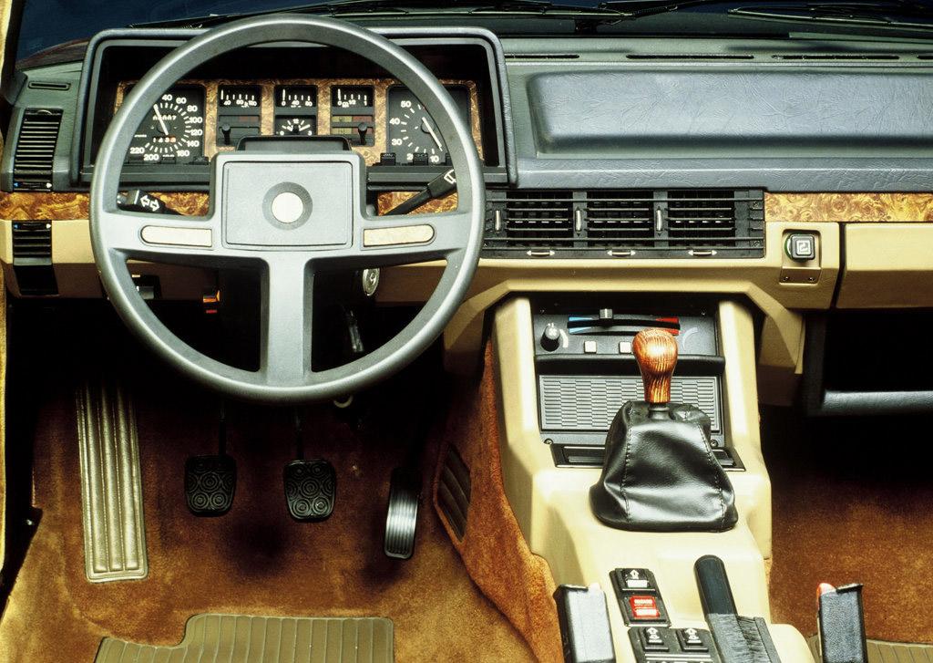 Alfa Romeo Alfa6 interieur