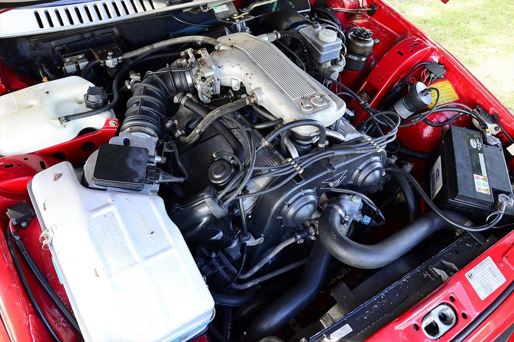 Alfa Romeo SZ motor