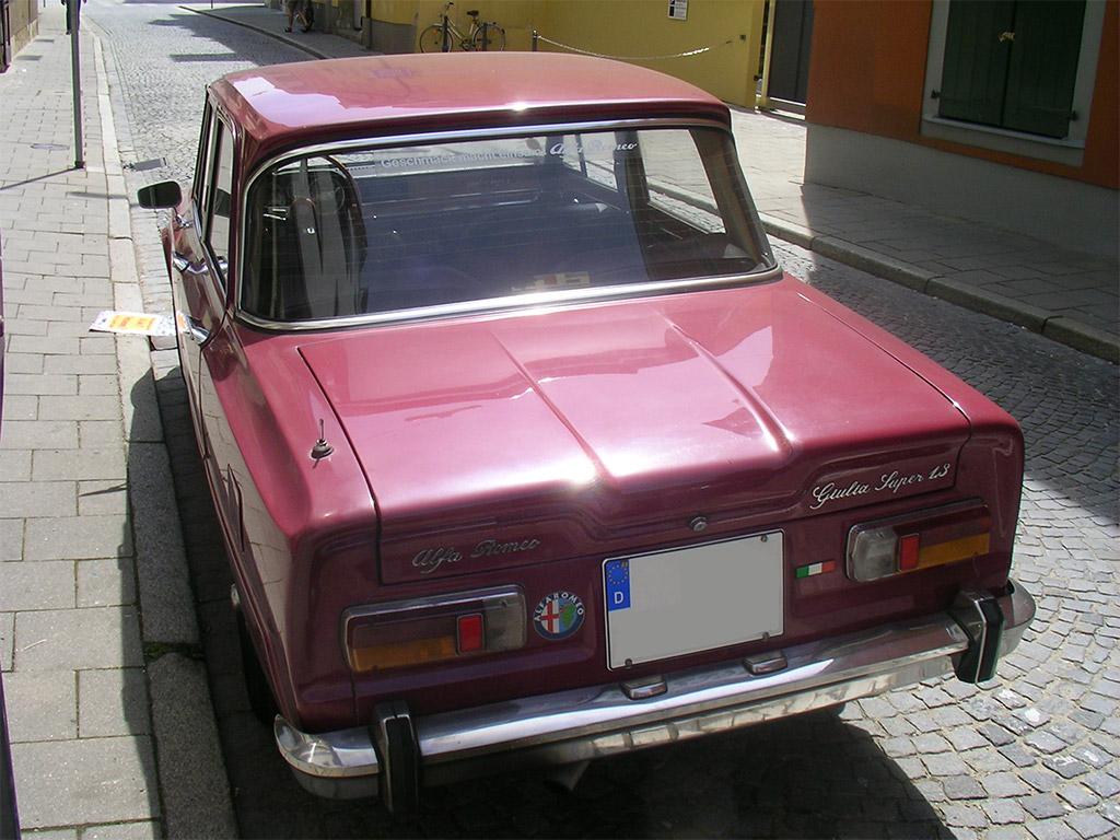 Alfa Romeo Giulia achterzijde