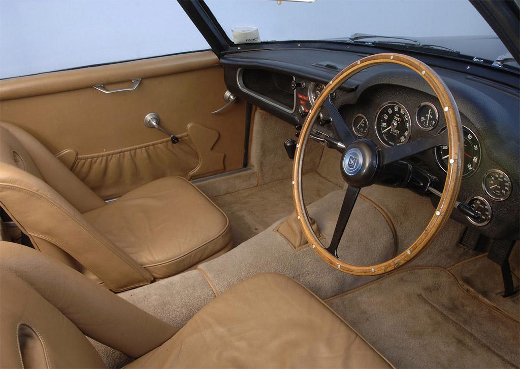 Aston Martin DB4 Zagato 1961 interieur