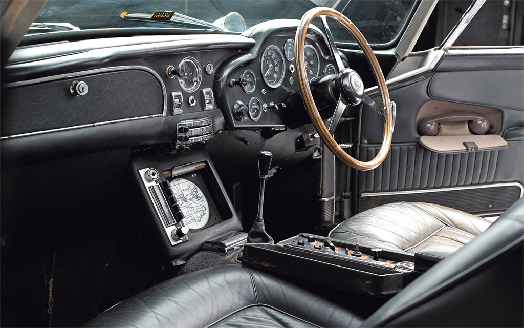Aston Martin DB5 interieur