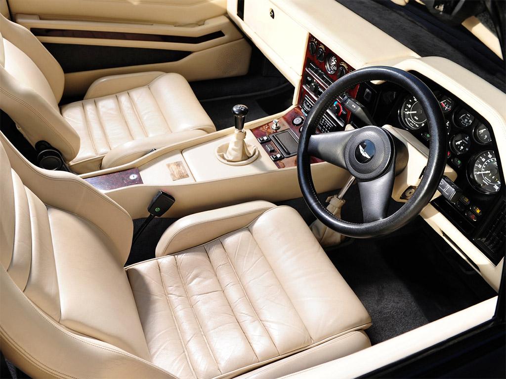 Aston Martin V8 Zagato interieur 1988