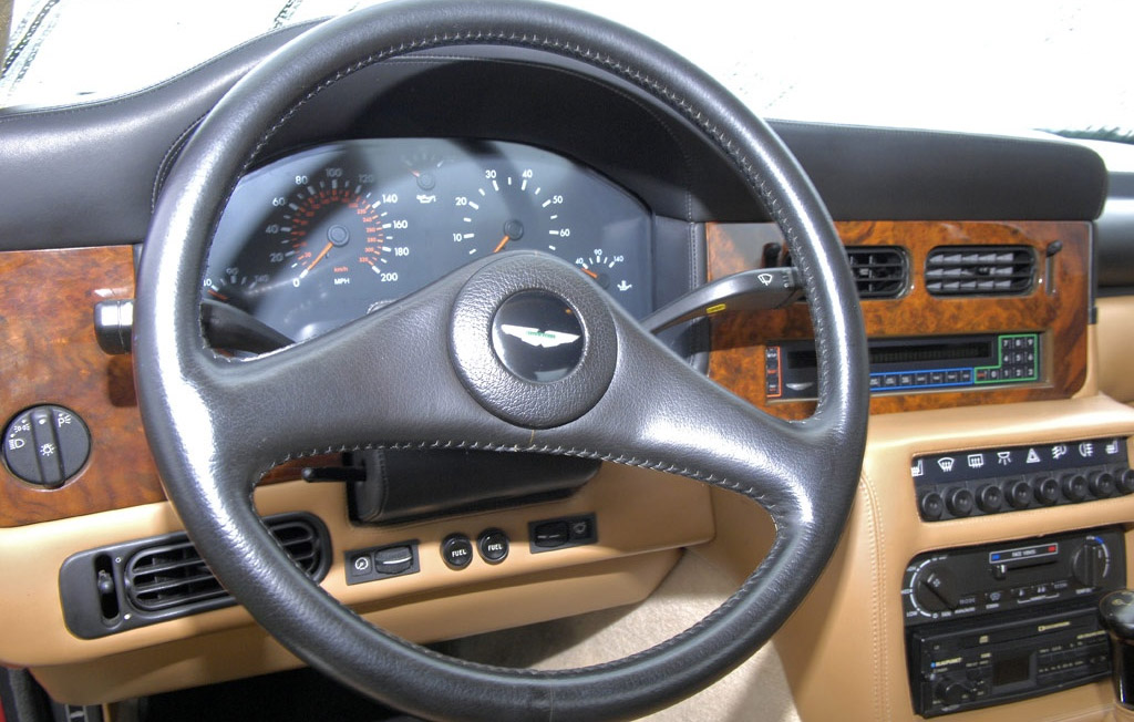 Aston Martin Virage 1992 interieur