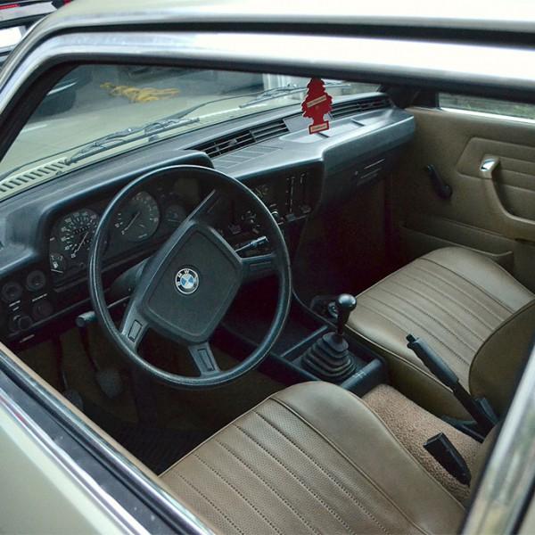 BMW E21 1975 interieur