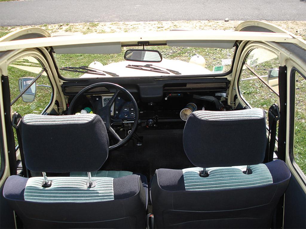 Citroen 2CV interieur