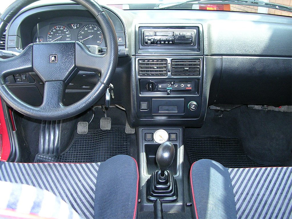Citroen AX interieur