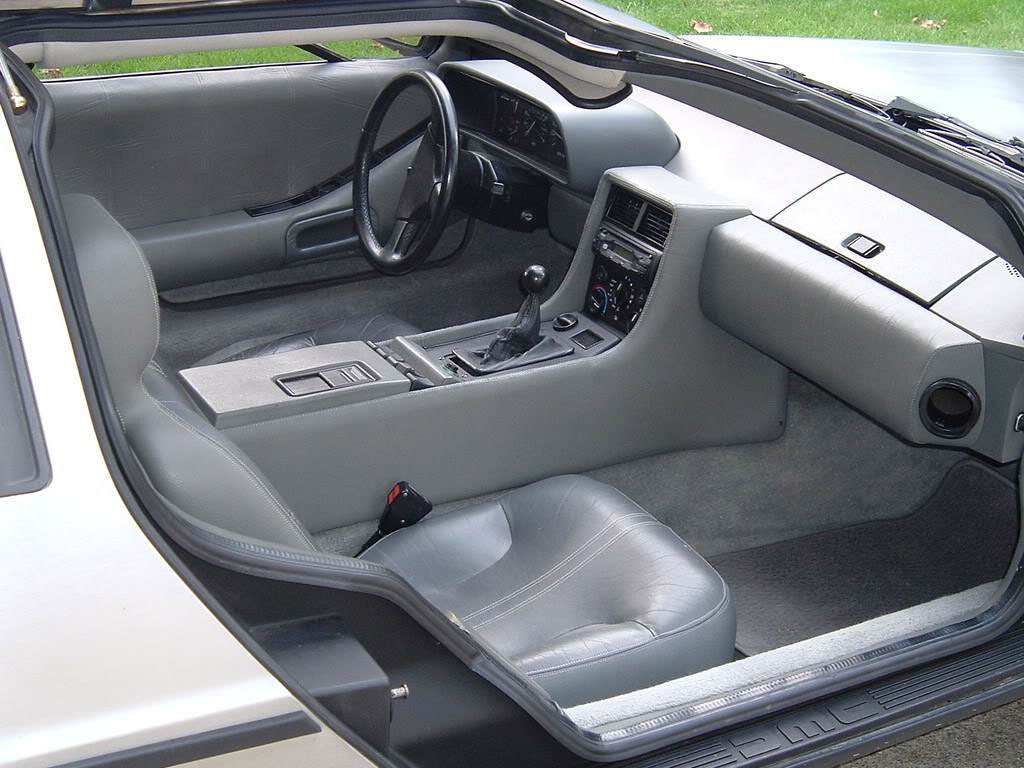 DeLorean DMC12 interieur_1981