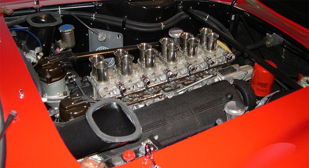 Ferrari 250 GTO 1964 engine