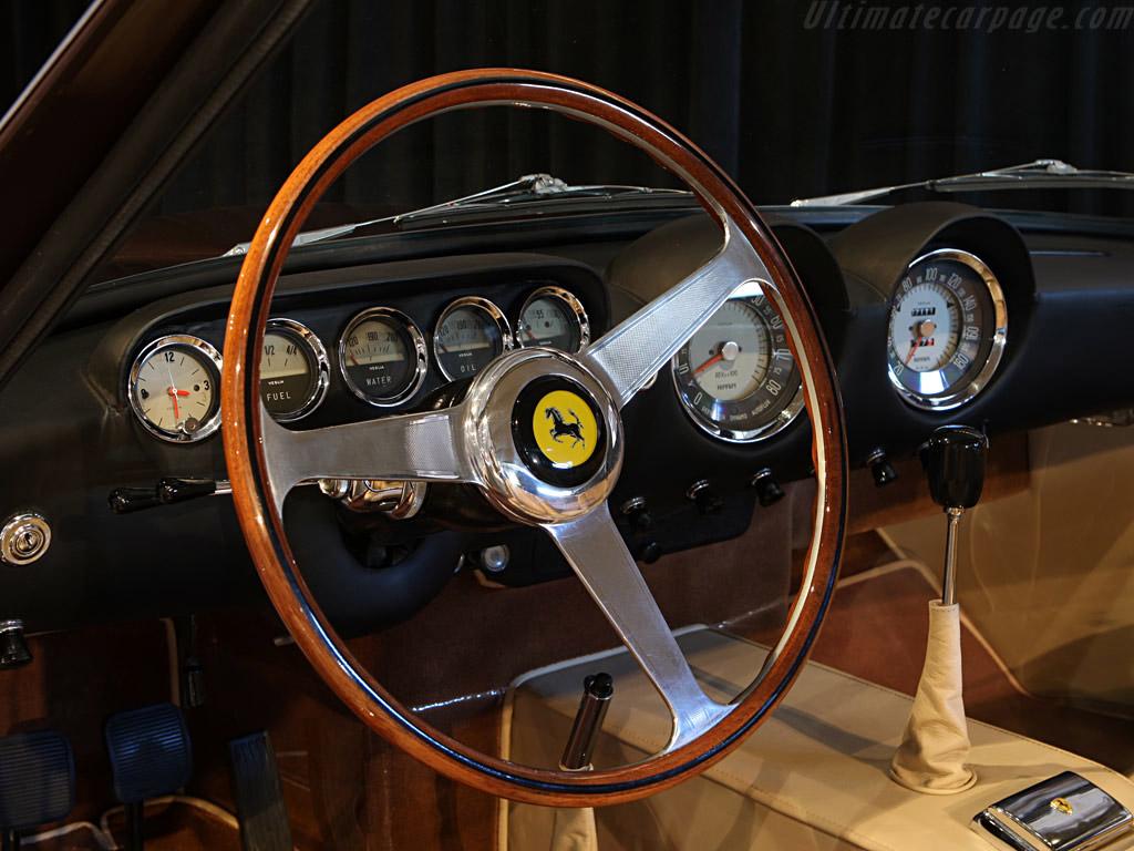 Ferrari 250 GT Lusso 1964 interieur
