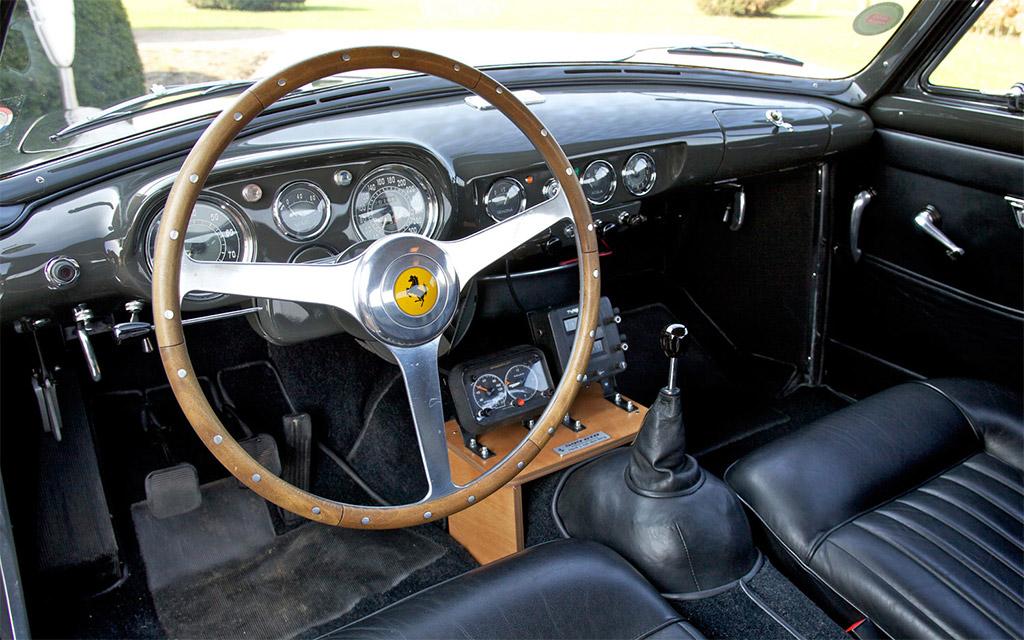 Ferrari 250 GT Europa interieur
