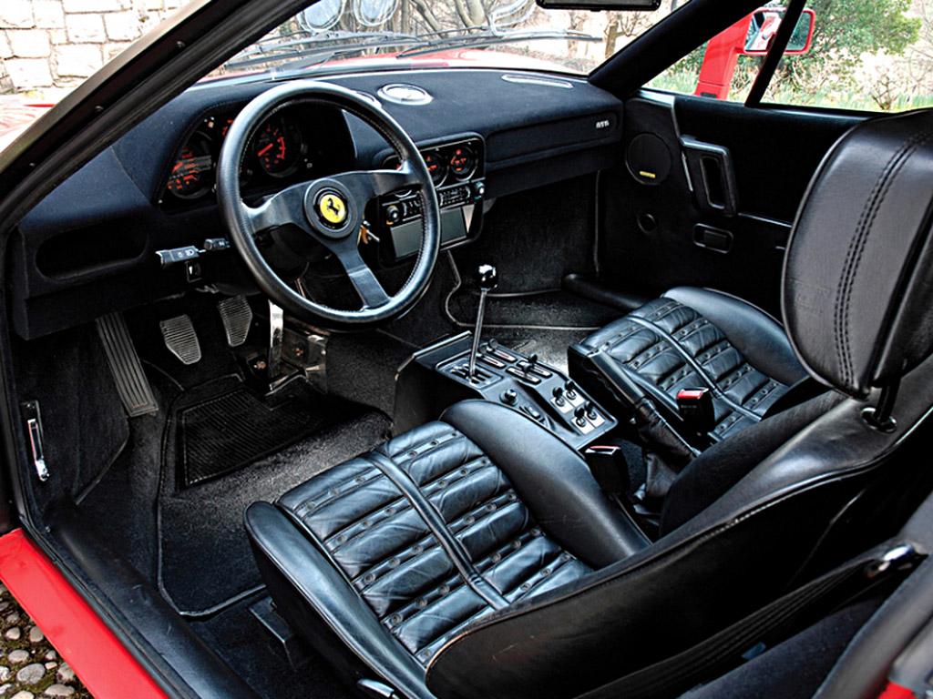 Ferrari 288GTO interieur