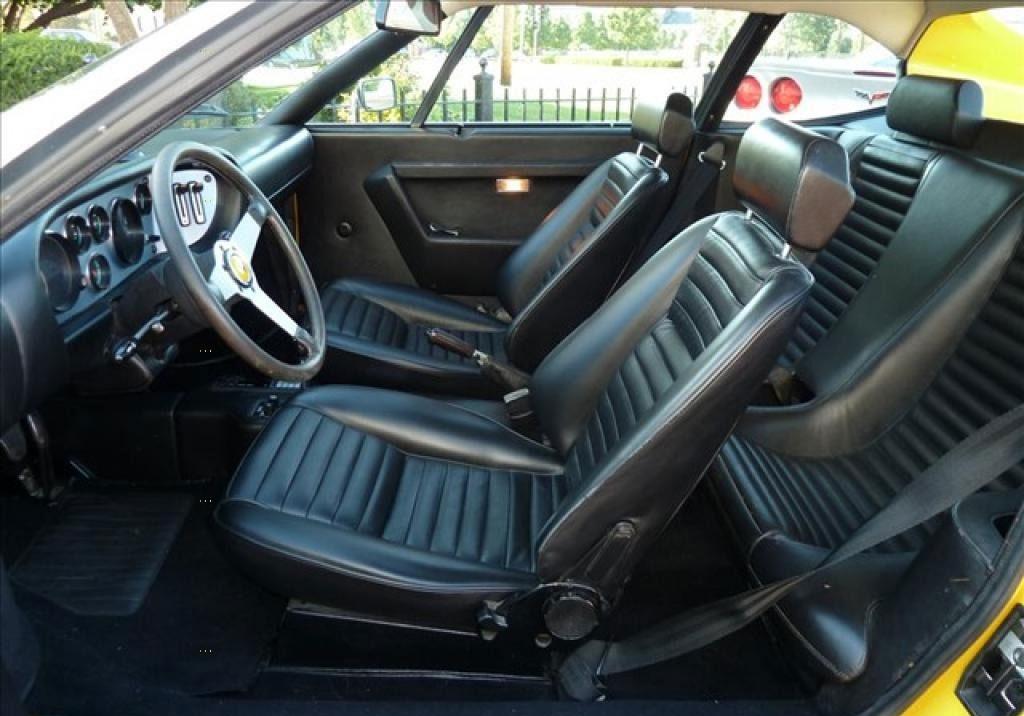 Ferrari Dino 308 GT4 interieur