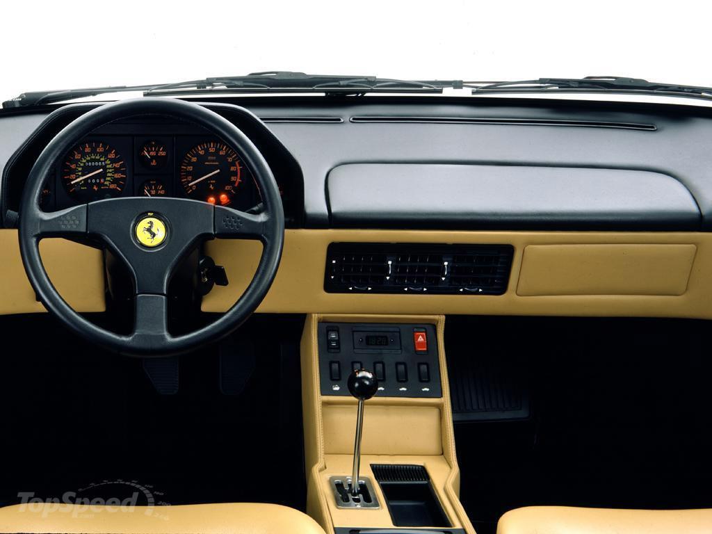 Ferrari Mondial interieur