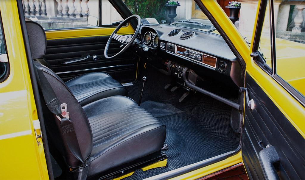 Fiat 128 interieur