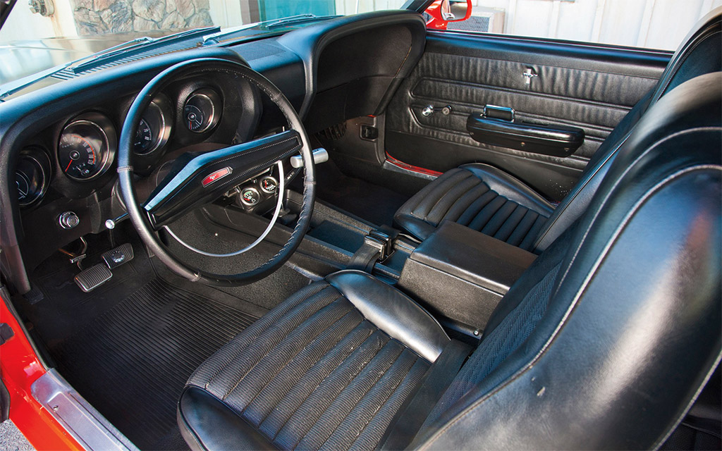 Ford Mustang boss 302 1969 interieur