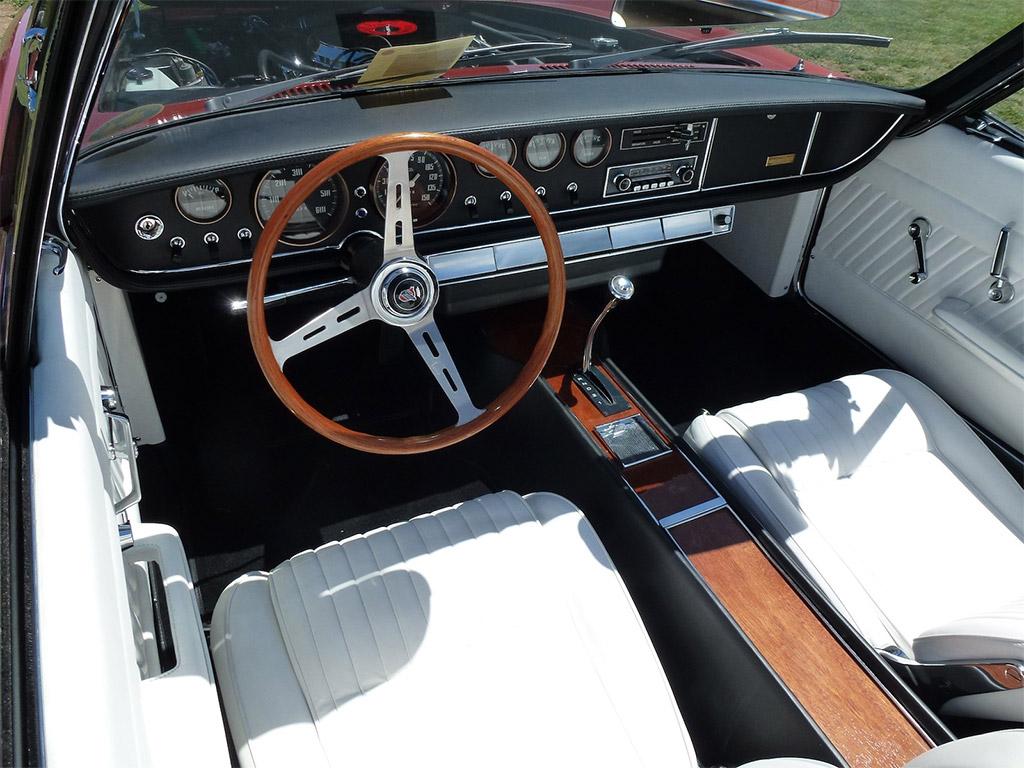 Ghia 450SS interieur 1967