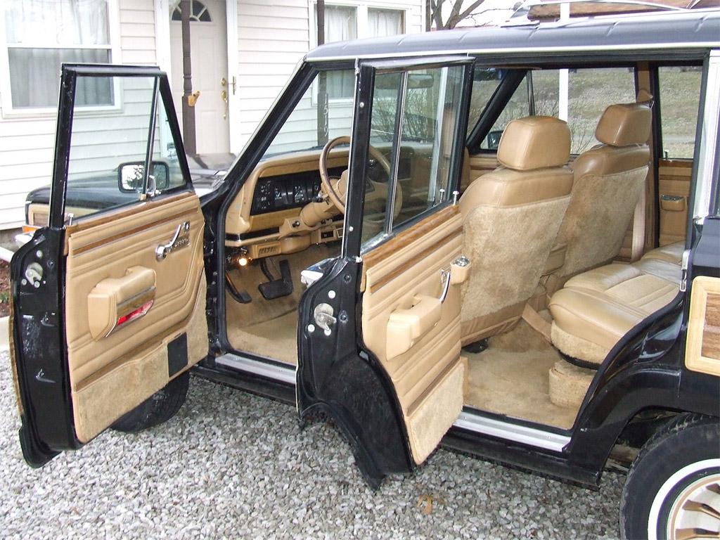 Jeep wagoneer interior