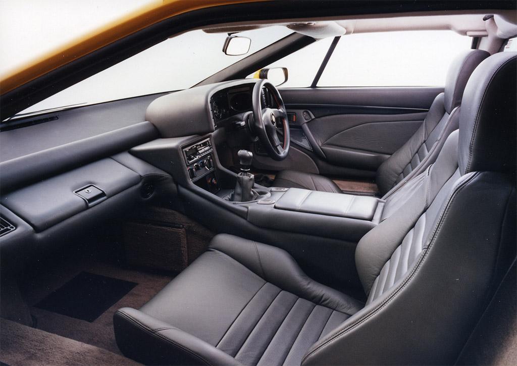 Lotus Esprit S1 interieur