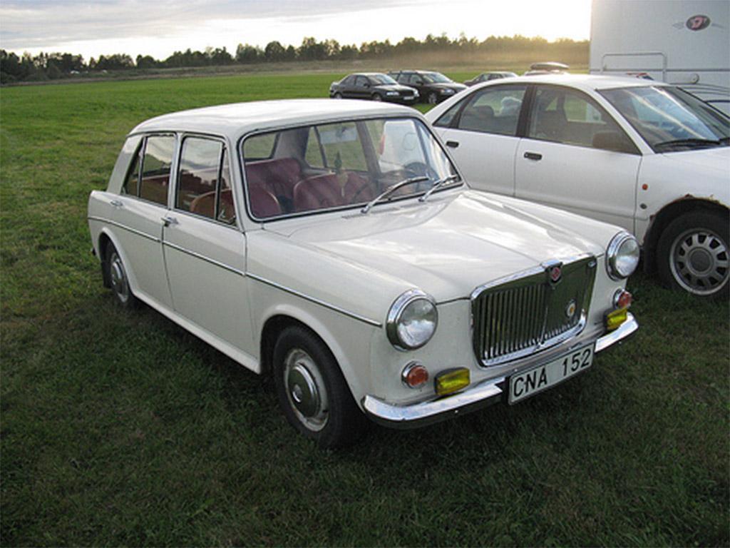 MG 1300