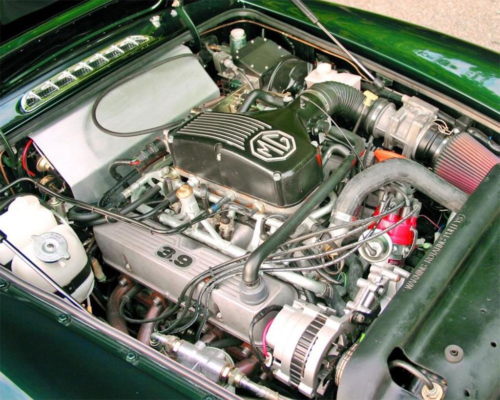 MG RV8 motor