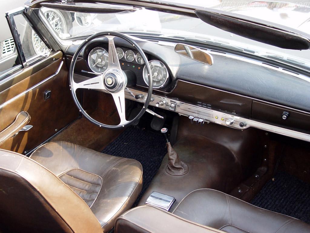 Maserati 3500 Spyder Vignale interieur