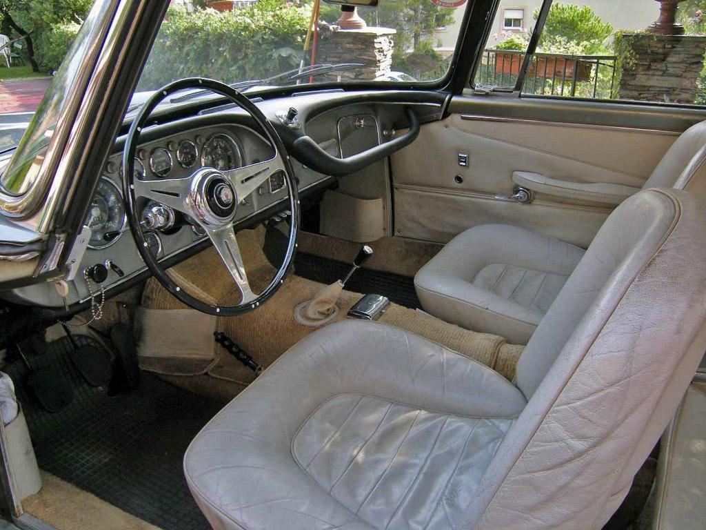 Maserati 3500 touring interieur
