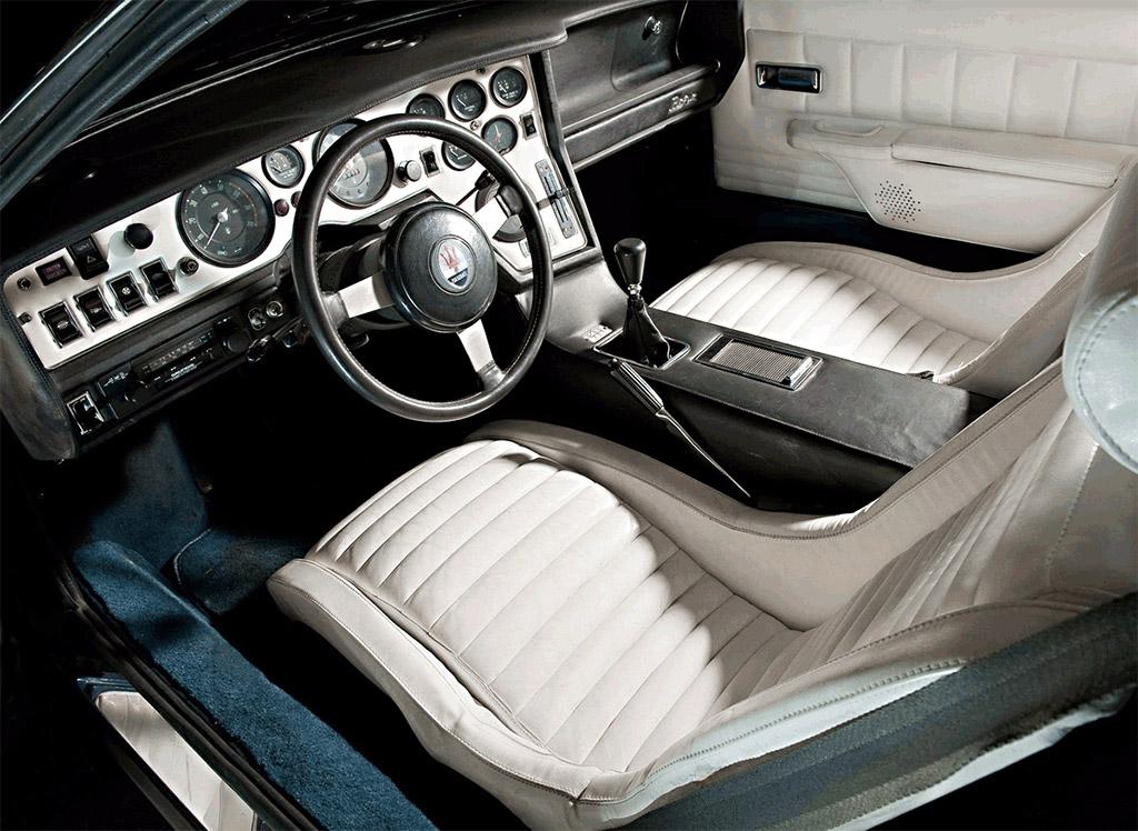 Maserati bora klassiekerweb for Auto interieur reinigen eindhoven