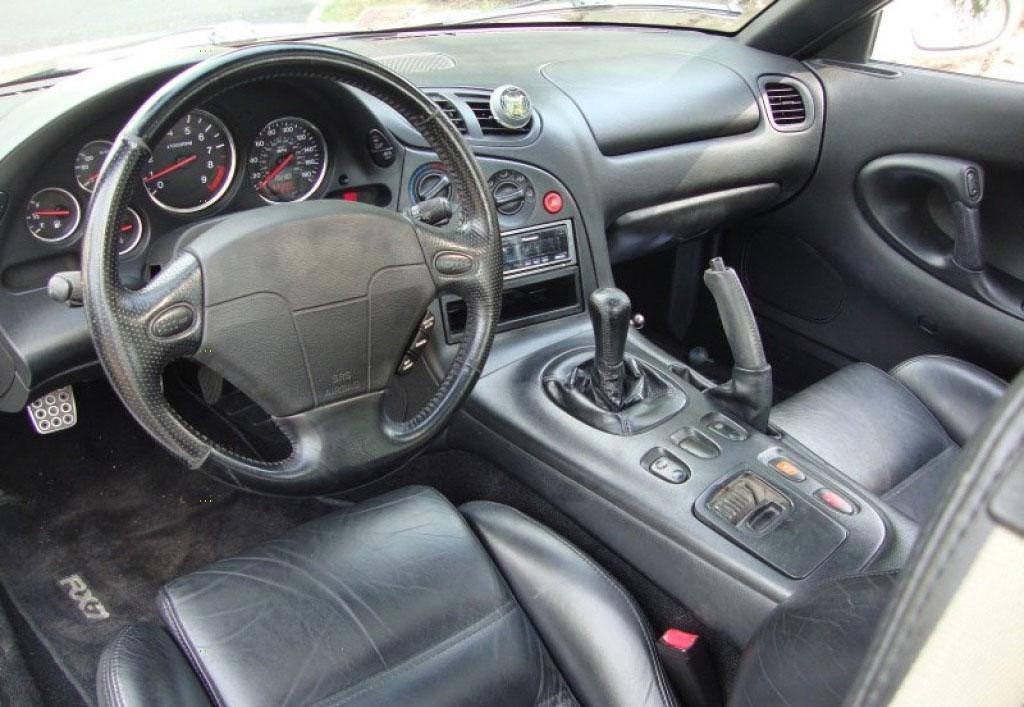 Mazda RX-7 1993 interieur