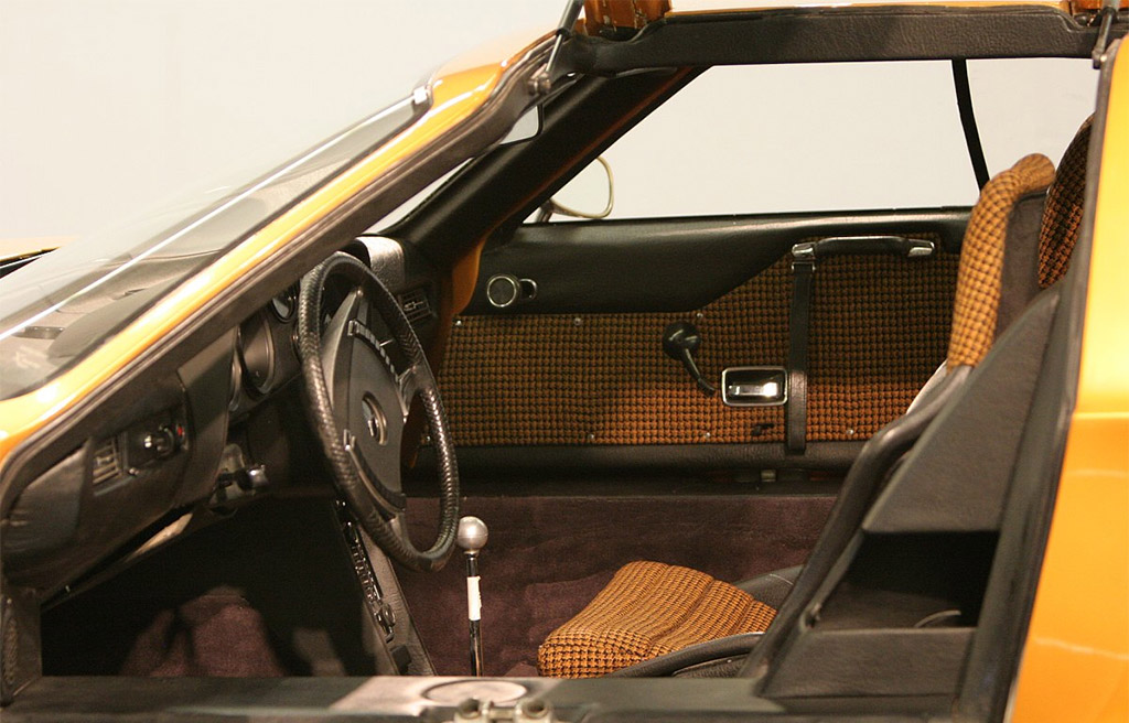 Mercedes-Benz C111 interieur