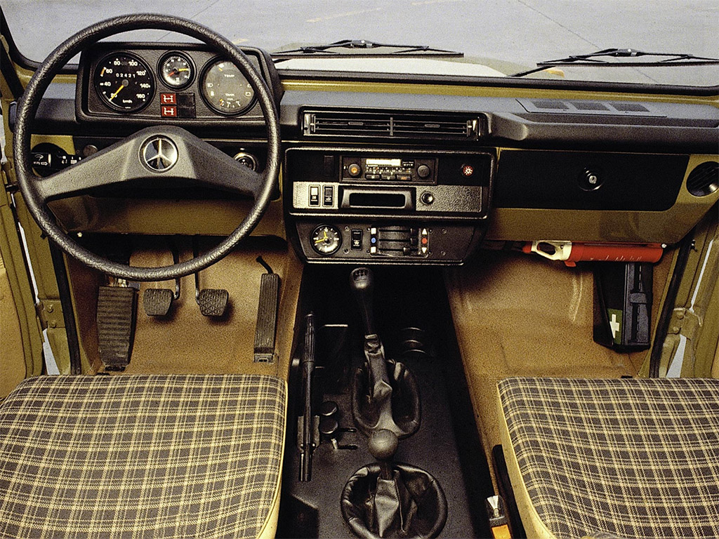 Mercedes-Benz G-klasse interieur 1979