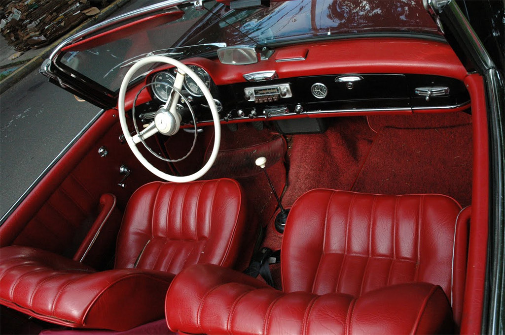 Mercedes benz 190 sl klassiekerweb for Interieur mercedes 190