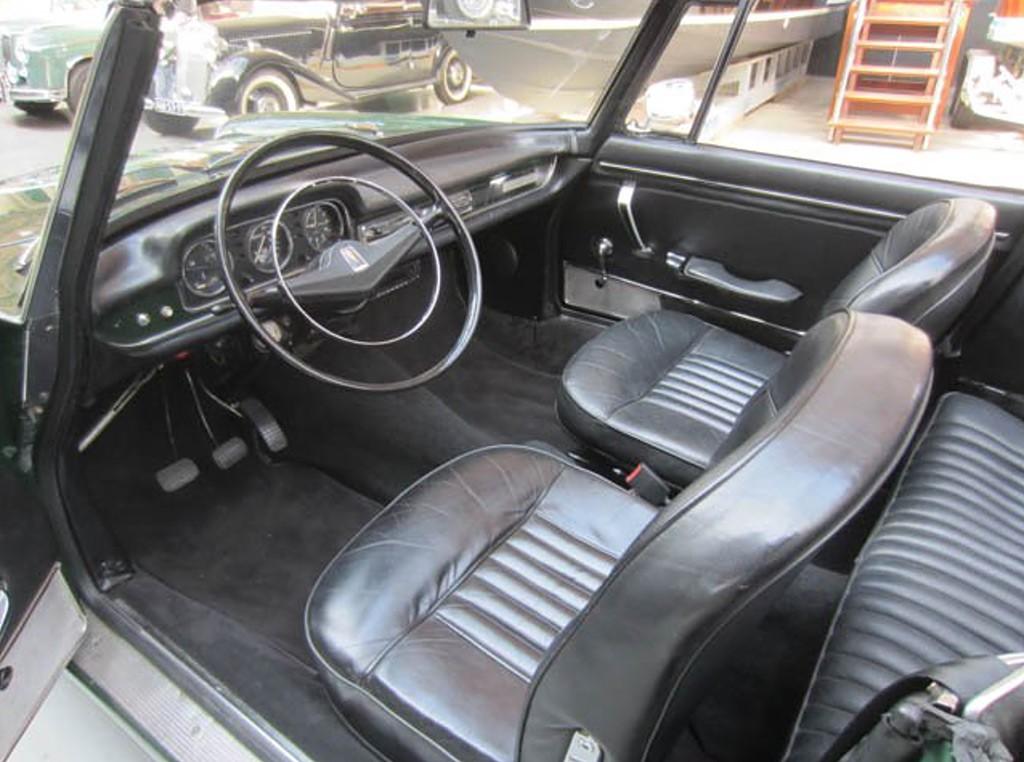 Peugeot 404 1967 cabrio interieur