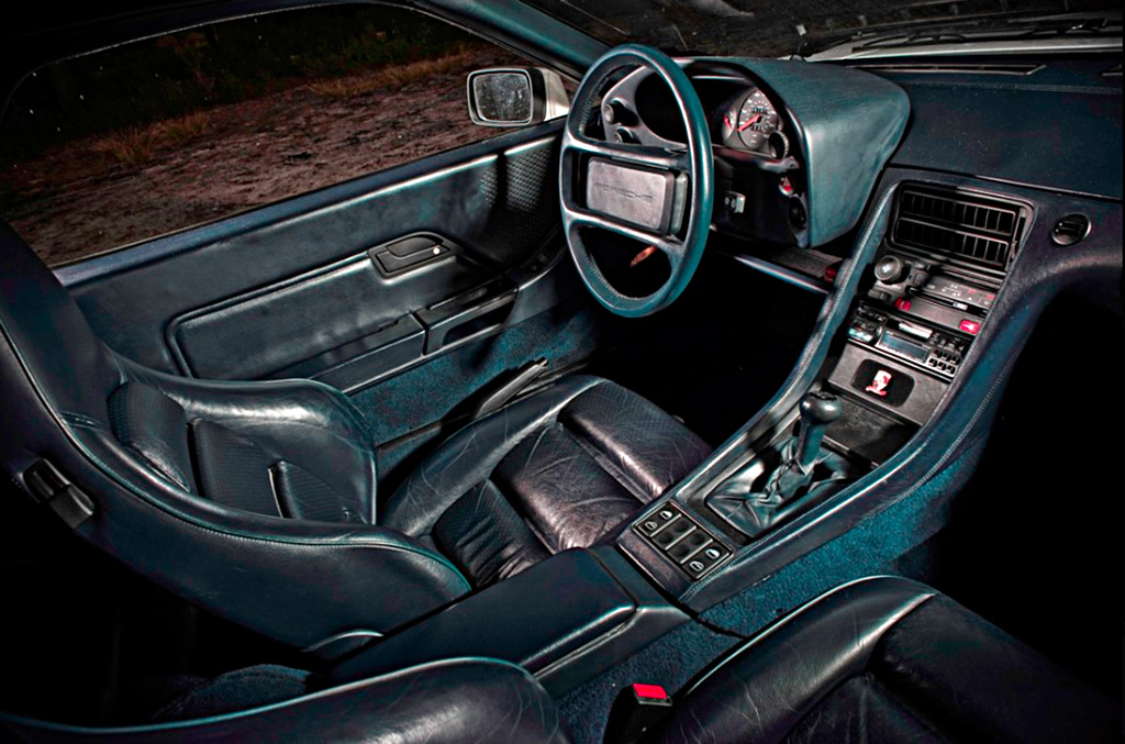 Porsche 928 S4 CS interieur