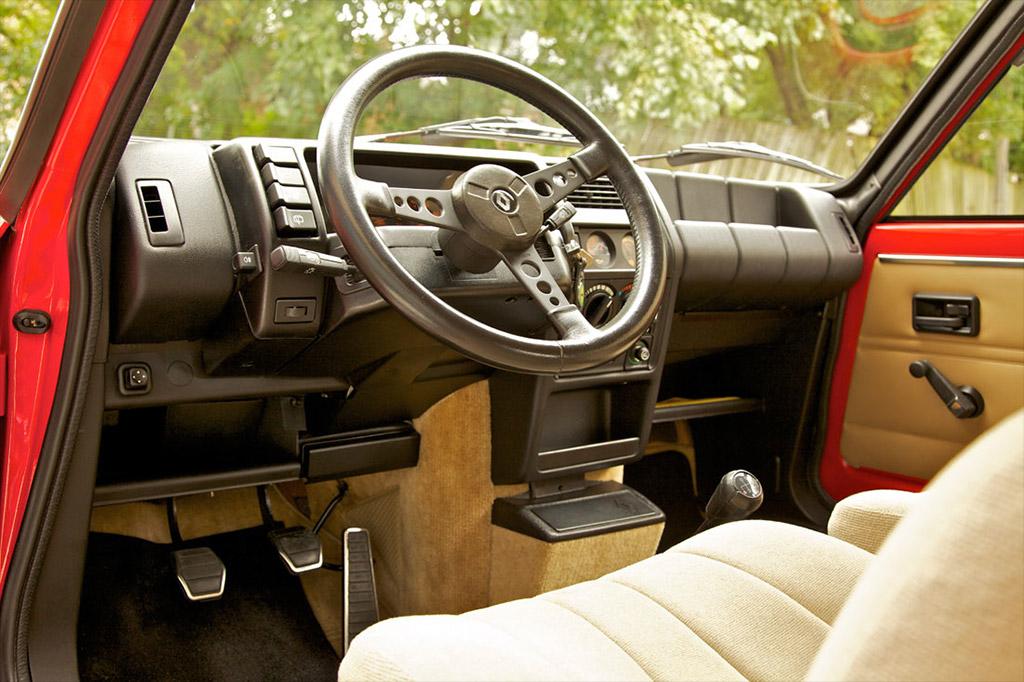 Renault 5 turbo interieur