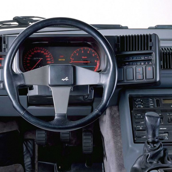 Renault Alpine GTA 1985 interieur
