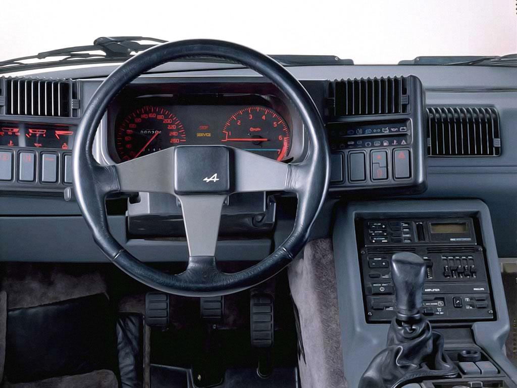 Renault Alpine GTA 1985 interieur