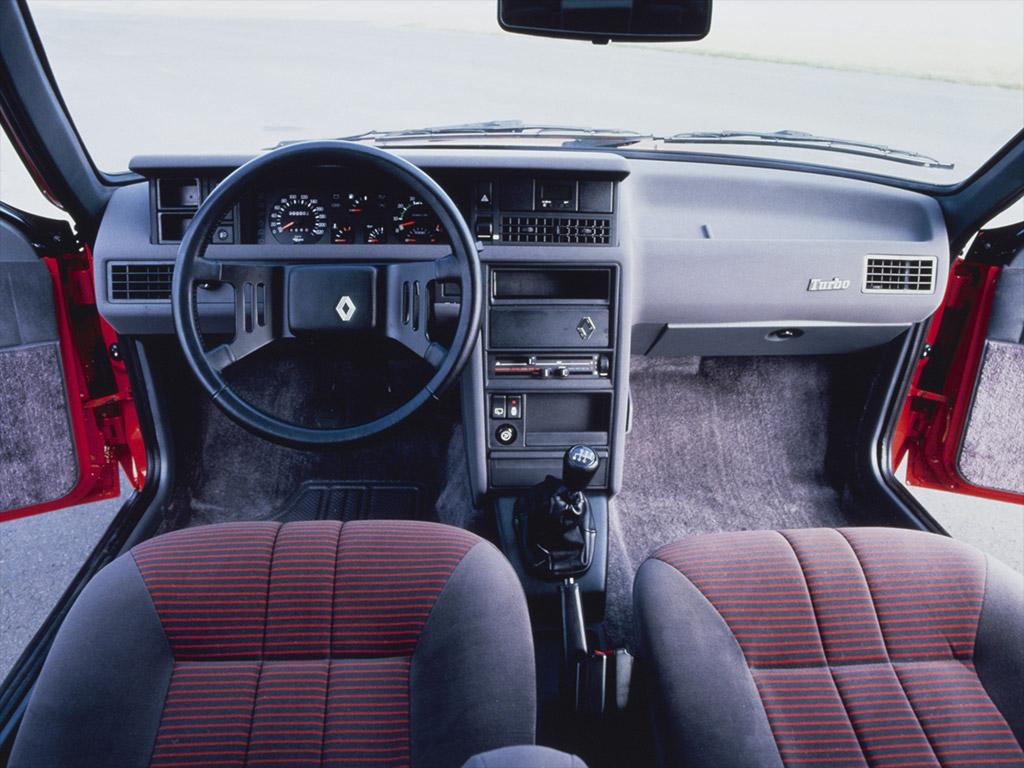 Renault Fuego interieur