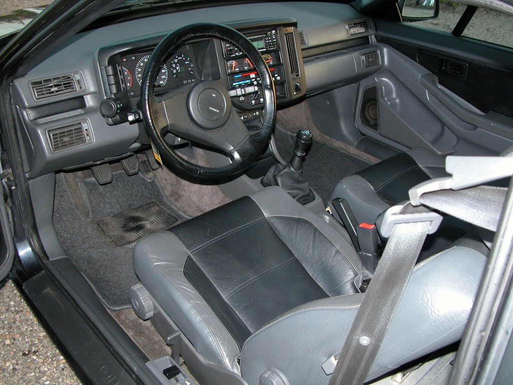https://www.klassiekerweb.nl/wp-content/uploads/2014/04/Volvo_480_Turbo_interieur.jpg