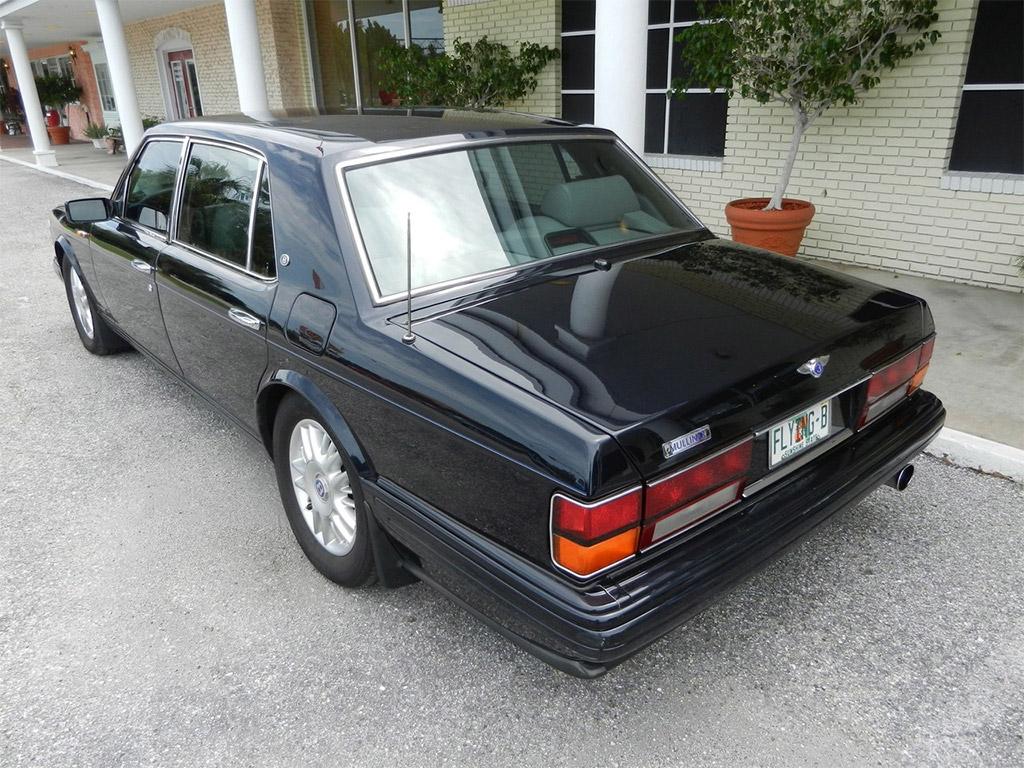 Bentley Brooklands achterzijde