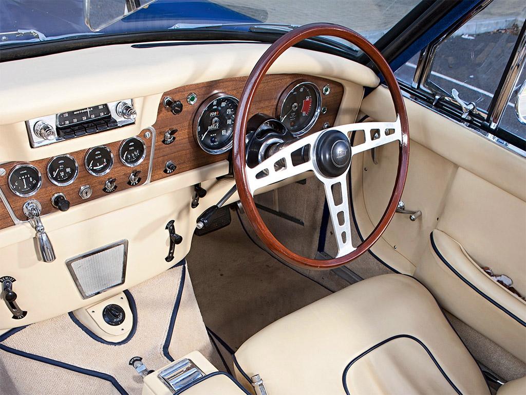 Jensen CV8 1963 interieur