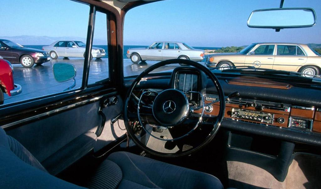 Mercedes-Benz S-klasse W111 interieur