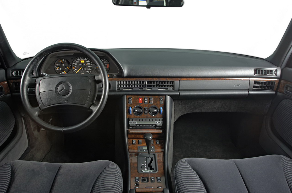 Mercedes benz s klasse w126 klassiekerweb for Mercedes s interieur