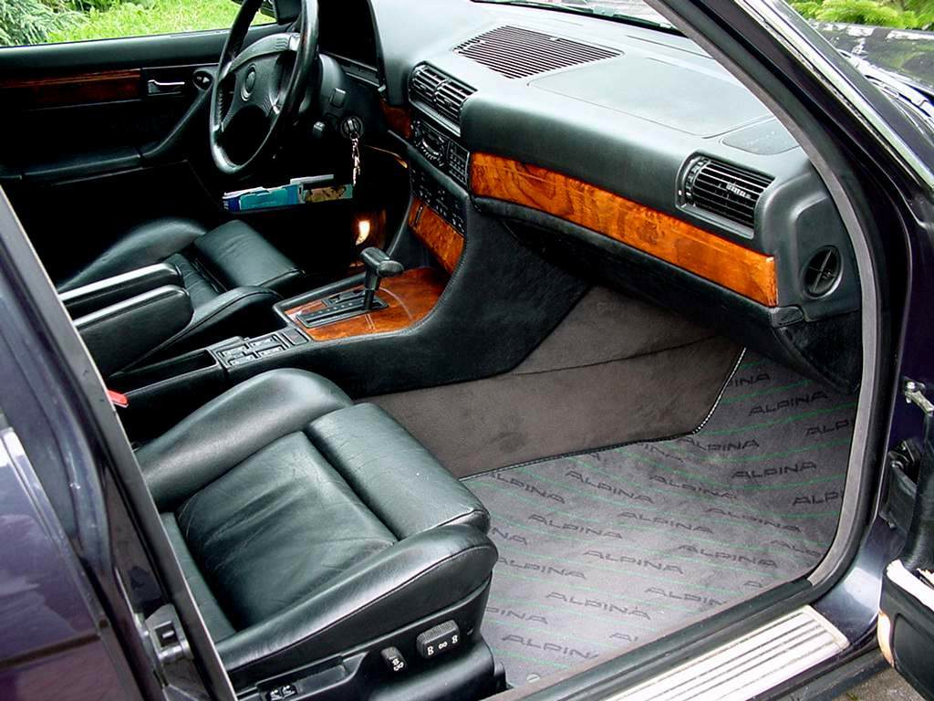 Bmw 7 serie e32 klassiekerweb for Bmw serie 7 interieur