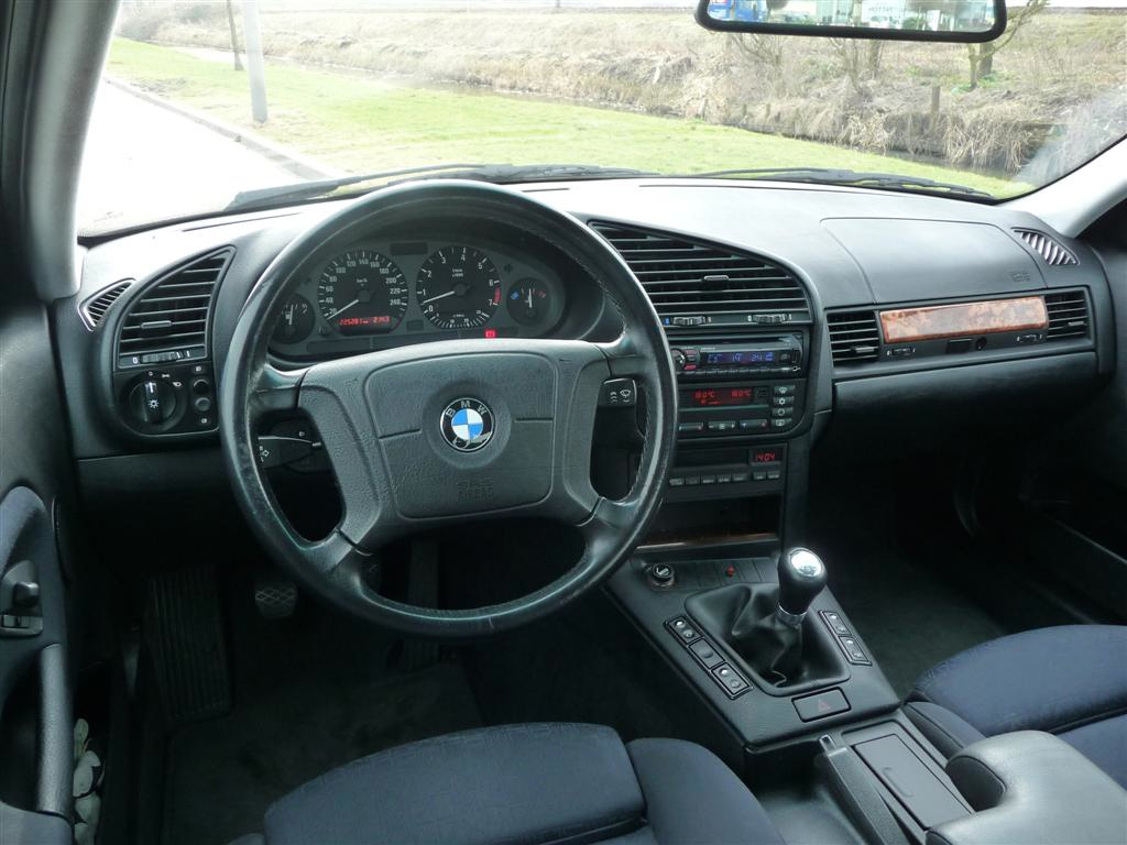 Bmw 3 serie e36 klassiekerweb for Bmw serie 9 interieur