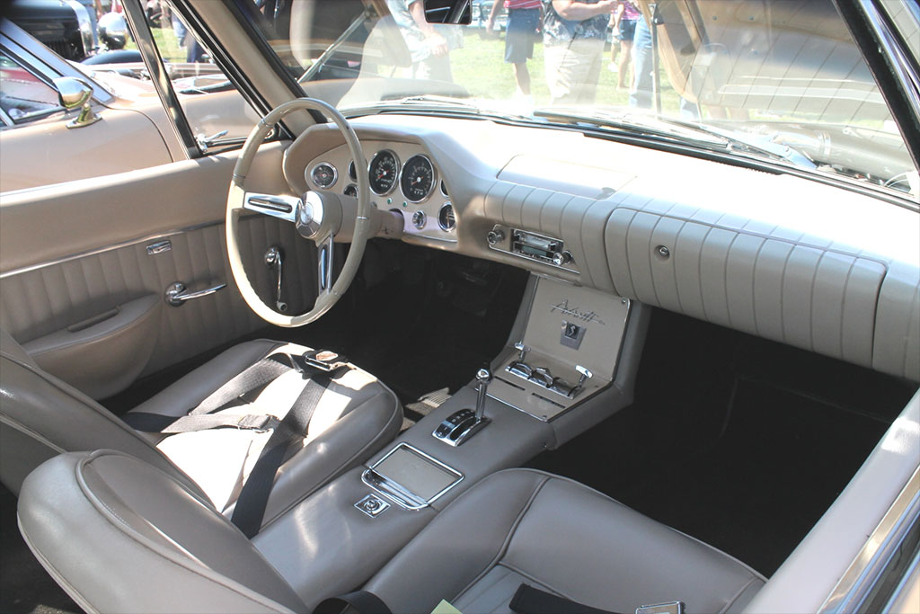 Studebaker Avanti 1963 interieur