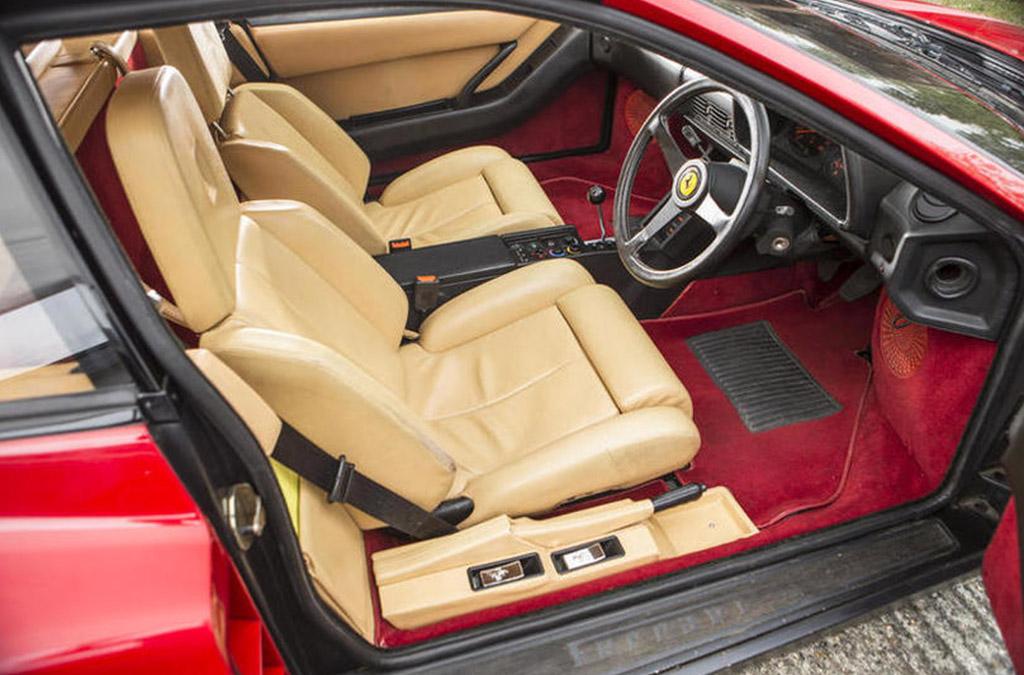 Ferrari testarossa interieur