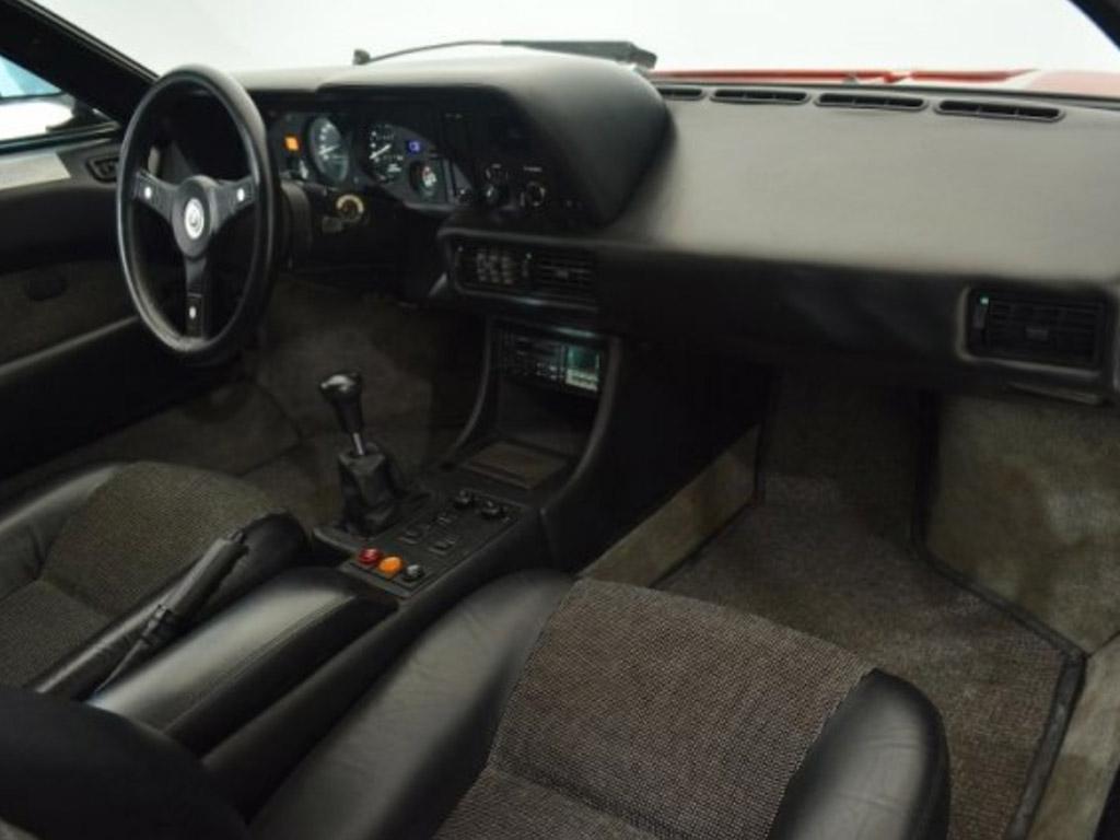 BMW M1 interieur