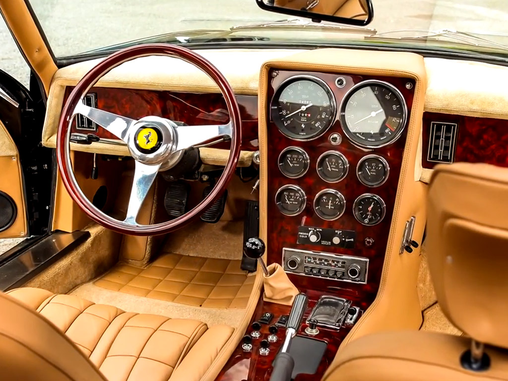 Ferrari 365 Daytona shooting break interieur