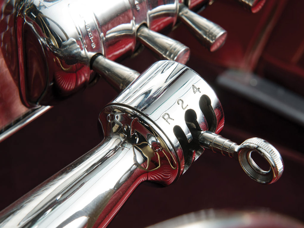 Cord 1937 detail versnelling