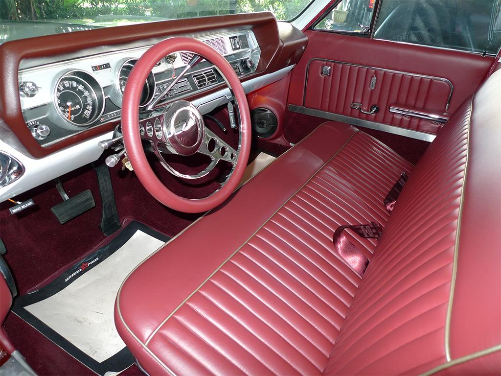 Oldsmobile Vista Cruiser 1966 interieur